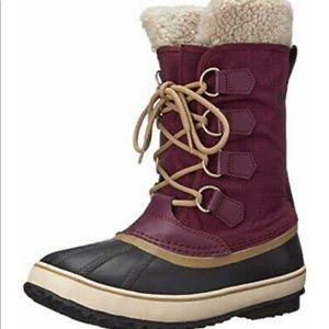 Sorel Winter Carnival Snow Boot in burgundy